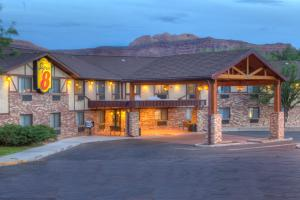 Super 8 Moab - Accommodation