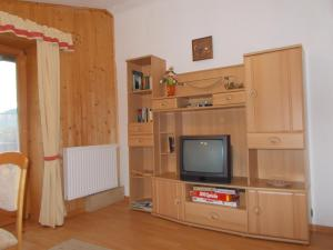 Haus Waldruh, Apartments  Niederau - big - 9