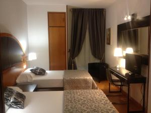 Hotel Don Jaime 54, Hotels  Zaragoza - big - 35