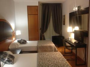 Hotel Don Jaime 54, Hotels  Zaragoza - big - 34