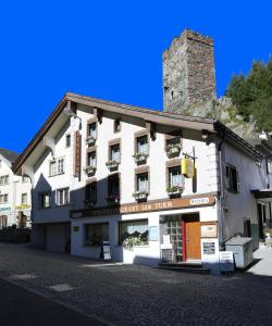 Gasthaus Pension zum Turm - Accommodation - Hospental