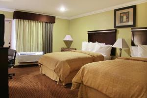 Econo Lodge Inn & Suites Mesa, Hotels  Mesa - big - 3