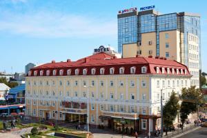 Отель Украина - фото 1