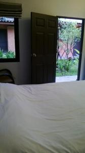 2 Home, Hotels  Chalong  - big - 11