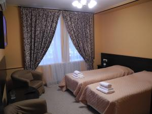 Отель Адам