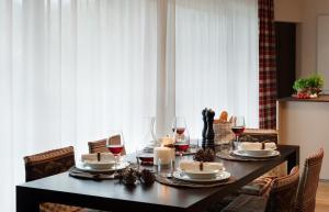 Crioli Dolomiti Lodge, Ferienwohnungen  Niederdorf - big - 6