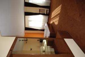 Vila Aris, Bed and Breakfasts  Iaşi - big - 22