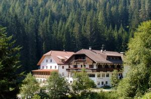 Nearby hotel : Hotel Bad Bergfall