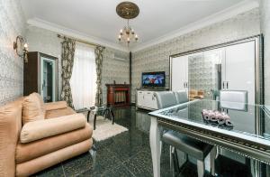 Апартаменты Luxrent на Льва Толстого, Киев