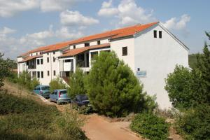 Apartments Hostin Garoful Duga Uvala