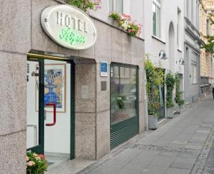 艾格尔酒店 (Hotel Aigner)