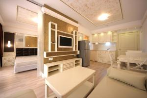 Menada Apartments in Golden Rainbow, Appartamenti  Sunny Beach - big - 14