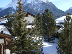Residenz La Mora, Apartments  La Punt-Chamues-ch - big - 33