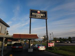 Nearby hotel : Economy Inn - Granite City