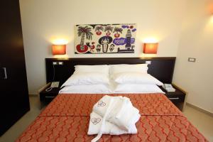 Prenota Noha Suite Hotel