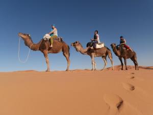 Marhaba Camp, Camel & Sandboarding, Zelt-Lodges  Merzouga - big - 82