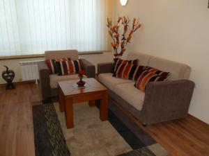 Cedar Lodge 3/4 Self-Catering Apartments, Apartments  Bansko - big - 16