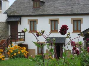 Apartamentos Rurales Romallande