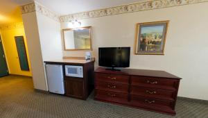 Country Inn & Suites by Radisson, St. Cloud East, MN, Отели  Saint Cloud - big - 12