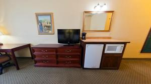 Country Inn & Suites by Radisson, St. Cloud East, MN, Отели  Saint Cloud - big - 6