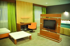 Курортный отель Crescent Beach - фото 24