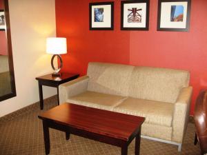 Sobre Comfort Inn & Suites Airport Calgary (Comfort Inn & Suites Airport Calgary)