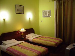 Select Hostel