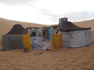 Marhaba Camp, Camel & Sandboarding, Zelt-Lodges  Merzouga - big - 89