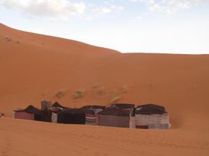 Marhaba Camp, Camel & Sandboarding, Zelt-Lodges  Merzouga - big - 92