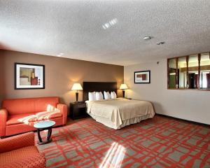 Quality Inn & Suites West Bend