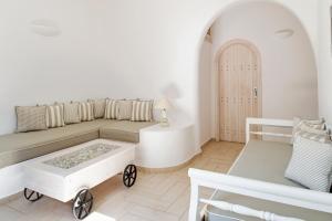 Evgenia Villas & Suites(Fira)