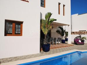 Hotel cerca : Holiday Home Las Caletas Village Costa Teguise