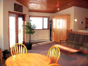 A Loft with a View, Apartments  Kelowna - big - 11