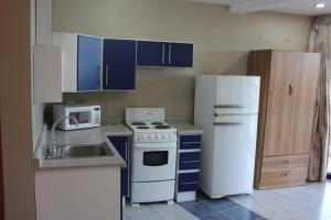 Chantel Suites, Гостевые дома  Коко - big - 6