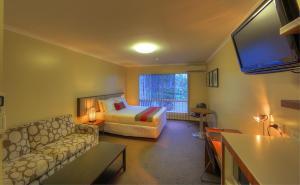 Tropixx Motel & Restaurant4