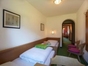 Landhaus Schwarz, Ferienwohnungen  Mieming - big - 19