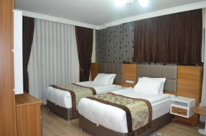 Grand Suphan Hotel