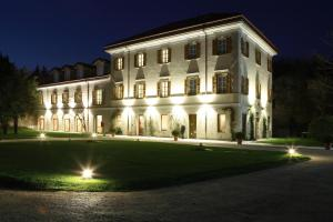 Nearby hotel : Art Hotel Varese
