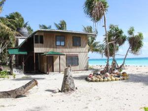 Arno Beachcomber Lodge