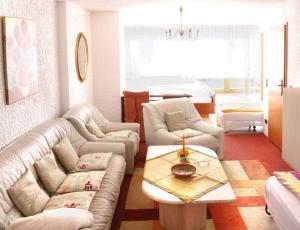 Landhotel Schönblick, Hotely  Bad Herrenalb - big - 2