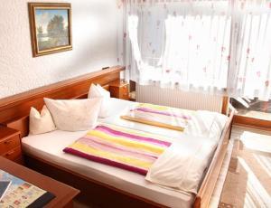Landhotel Schönblick, Hotely  Bad Herrenalb - big - 13