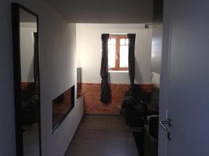 Rooms De Voerman, Vendégházak  Ypres - big - 5