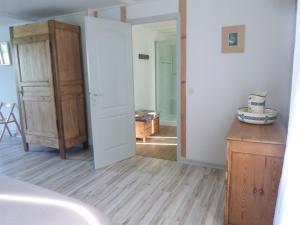 Chambres d'hôtes Le Cartounier, Bed and Breakfasts  Pinel-Hauterive - big - 7