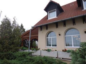 Anker Étterem és Panzió, Guest houses  Gönyů - big - 25