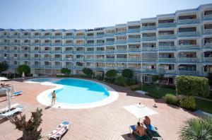 HV Apartamentos Europa