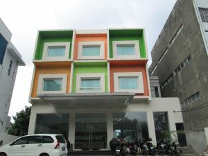 N2 Hotel