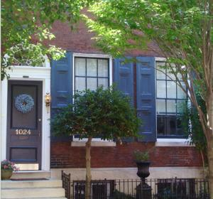 Nearby hotel : Clinton Street Bed and Breakfast