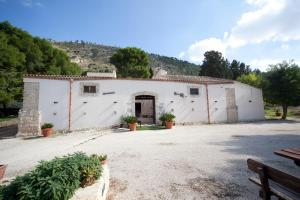(Turismo Rurale Baglio Fastuchera)