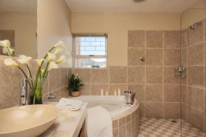Villa Atlantica Boutique Guesthouse, Guest houses  Cape Town - big - 80