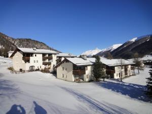 Residenz La Mora, Apartments  La Punt-Chamues-ch - big - 55